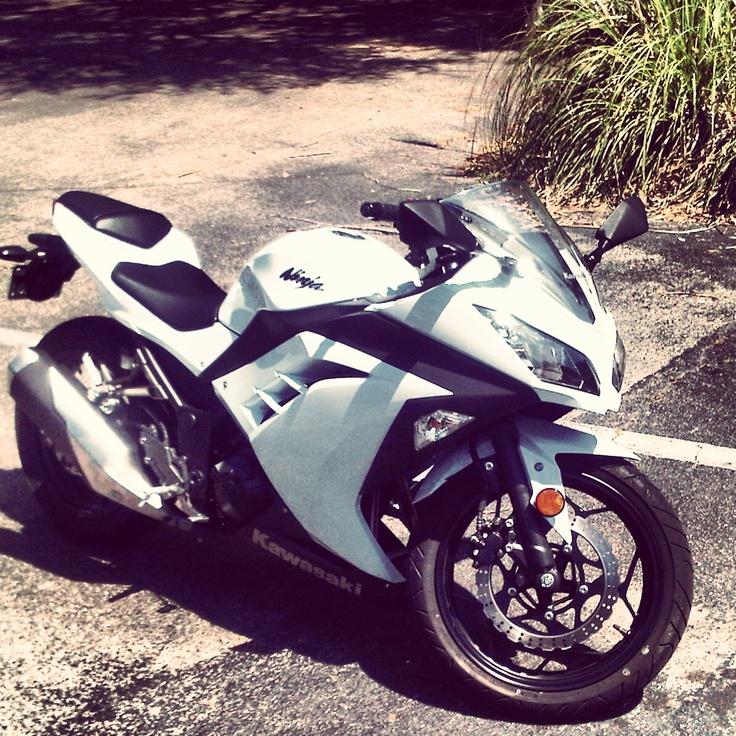 2013 Kawasaki Ninja 300 white and black perfection