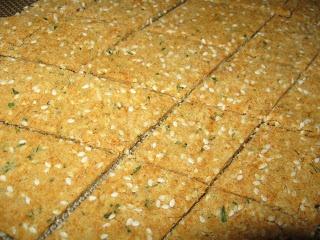 Savory Sesame Brown Rice Crackers Recipe (MomGateway)
