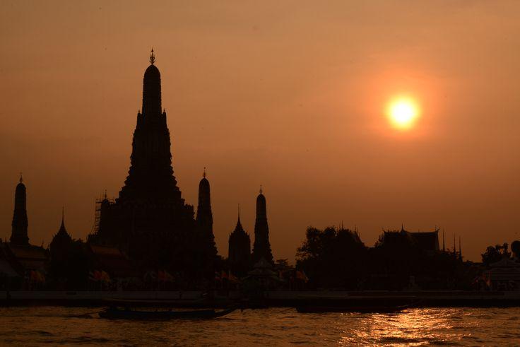 Wat Arun Temple - Sunset - Bangkok