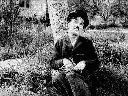 Frases de Charles Chaplin, porque un día sin sonreír es un día perdido