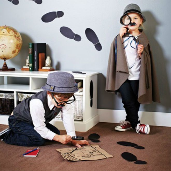 Riddle me this: Hide all of the birthday presents while the kids are playing the games. Provide some clues and have the kids go on a scavenger hunt to find the missing presents as the perfect end to this baffling bash.  Party favour: Fill a brown paper bag with a notepad, pencil, binoculars, plastic gloves and a flashlight. Fold the top down and seal. Attach an evidence tag and a pair of Groucho glasses.