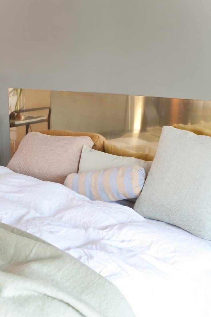 Lag din egen sengegavl! Messingplate fra Astrup, puter og pledd fra Røst.