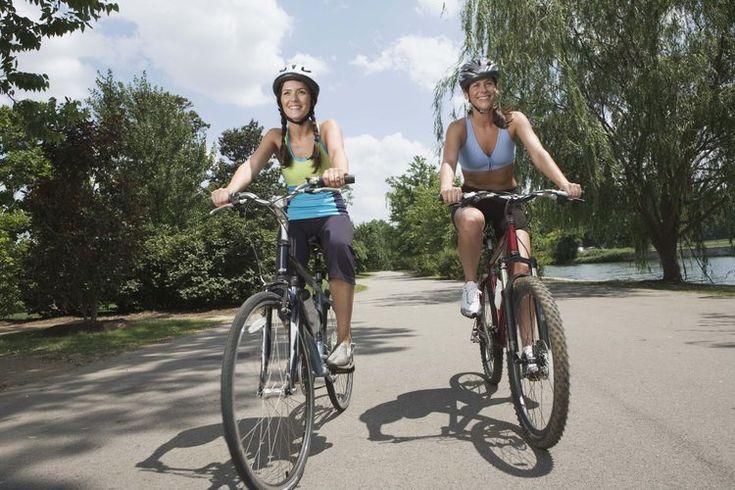 Qué son los frenos de tambor en las bicicletas. Rollerbrakes es el nombre de la marca Shimano para los frenos a disco o de tambor para bicicletas. Opcionales en las bicicletas Shimano, los Rollerbrake a menudo se instalan en el interior del engranaje interno y bujes delanteros de las bicicletas ...