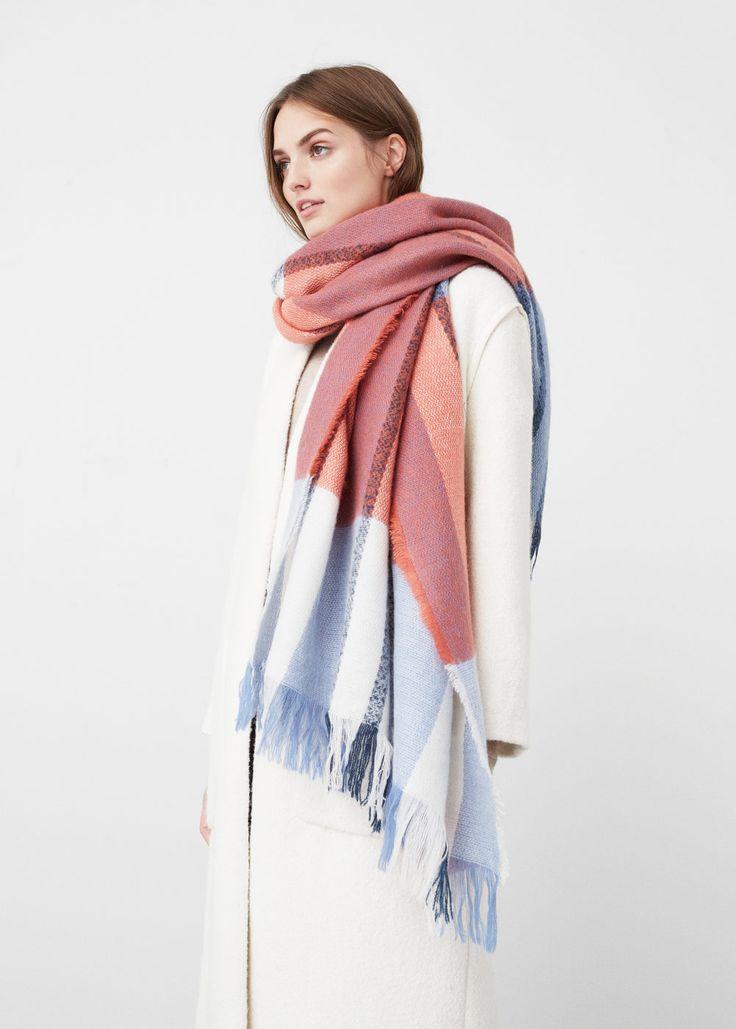 Écharpe tricolore à carreaux | MANGO