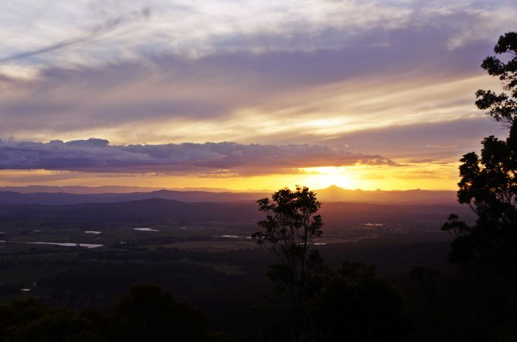 Sunset over Rotary Lookout Point, Mt Tamborine.