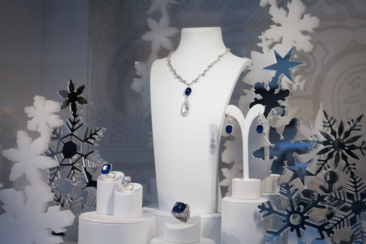 Christmas jewelry store display google search vetrine for Design di gioielli