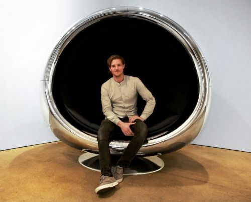 A Repurposed Boeing 737 Engine Cowling Makes a Fantastic… Chair
