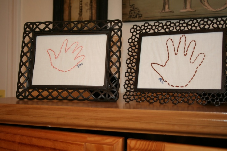 embroidered hand prints omg how cute!: Hands Prints, Hand Prints, Involvement Stitches, Stitches Hands, Embroidered Hands