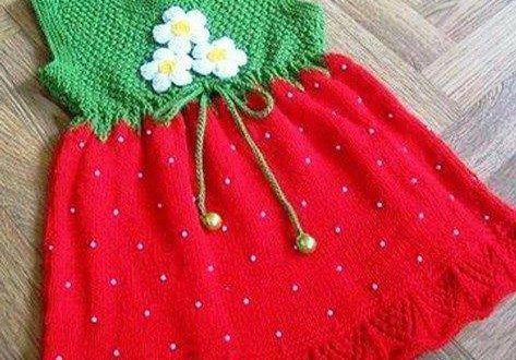Kız çocukları için örgü elbise