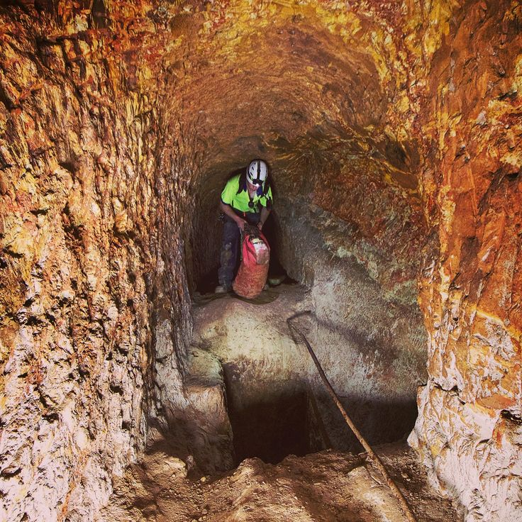 Exploring an old mine at Clunes. #Ballarat #Clunes  #disused #abandoned #underground