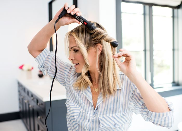 Molly Sims: WATCH: 3 STEP BEACH WAVES FOR SHORT HAIR