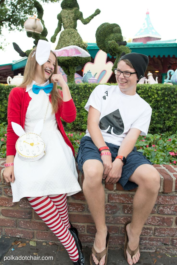 Cute Ideas For No Sew Alice In Wonderland Costumes A Cute Last Minute