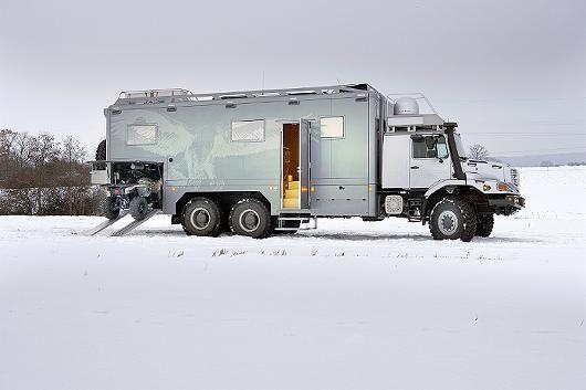 Mercedes-Benz Zetros 2733 A 6x6 | Mercedes Zetros 2733 A 6x6: Mit Marmorbad auf Wolfsjagd