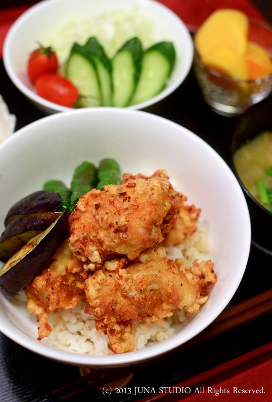 Karaage (Japanese Fried Chicken) over Rice 唐揚げ丼