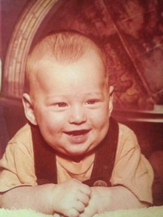 6/18 Blake Shelton's Birthday today! ♥ Happy Birthday!!!!! Adorable then, and adorable now :)