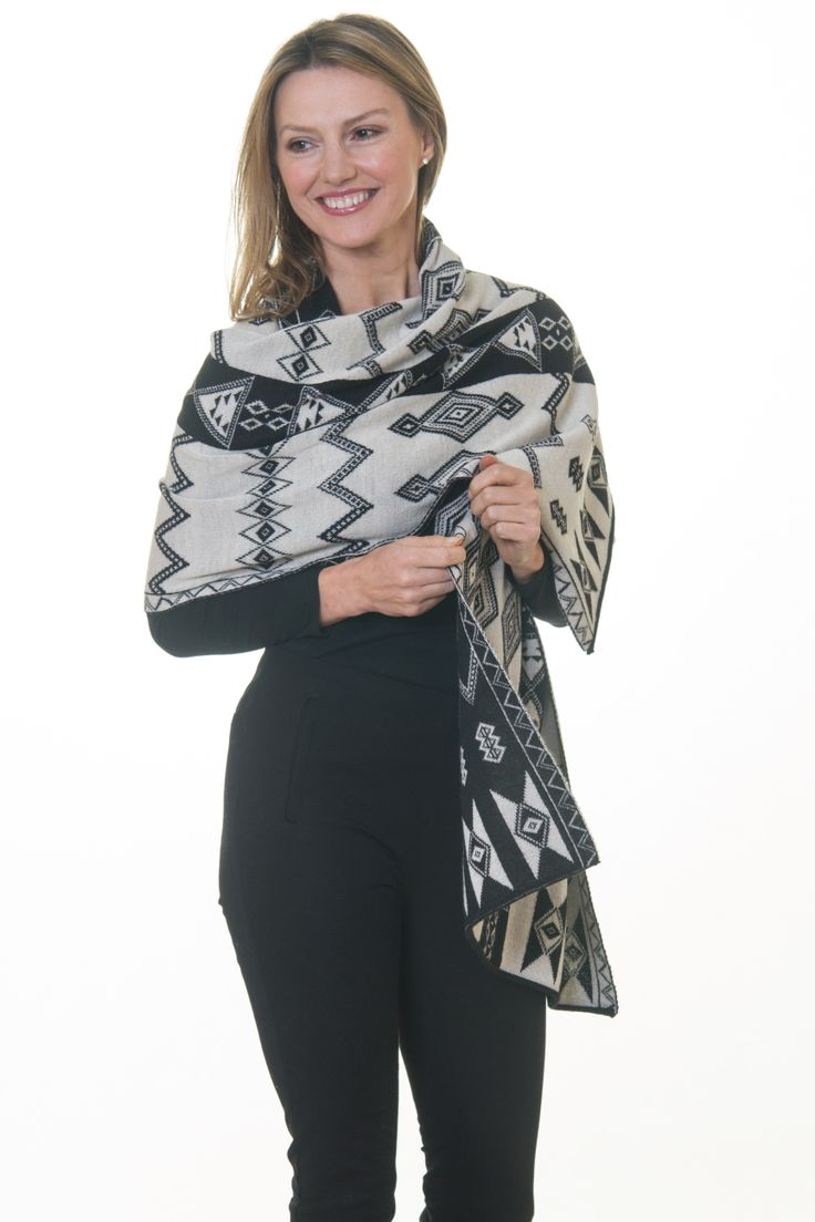 Black & White Shawl #Stratforduponavon #alpaca #luxury #luxe #knitwear #UK