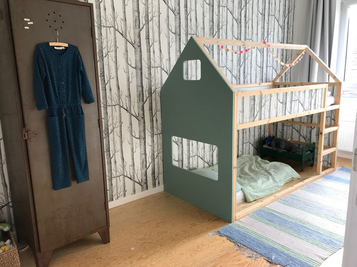 Ikeahack / Kura bed / bunk bed / DIY / Mint green / Children's bedroom / Woods by Cole & Son / Interior styling kids / Shared bedroom / plywood fl…
