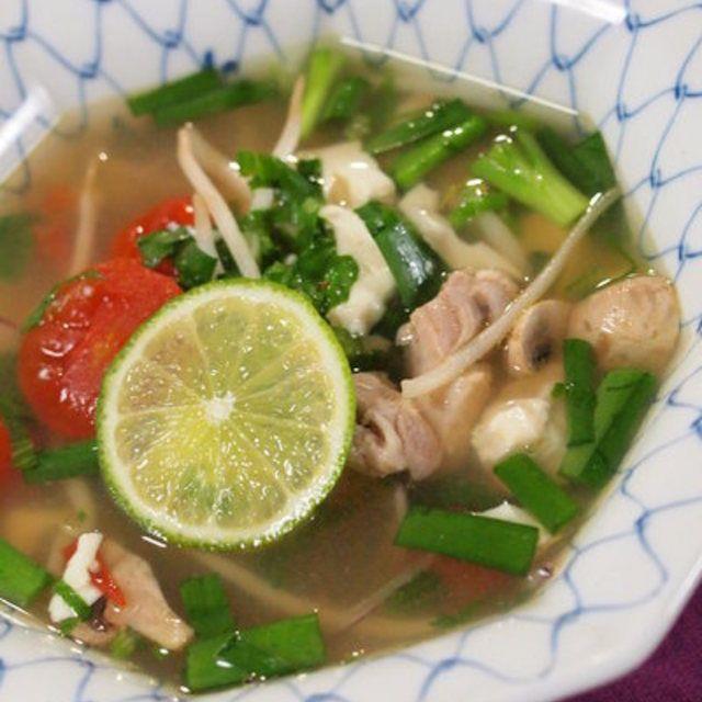 夏野菜とお豆腐のエスニックスープ