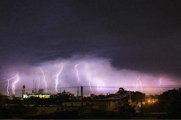 (10) Twitter Tormenta eléctrica en Cd. Victoria, Tamps. Mex.