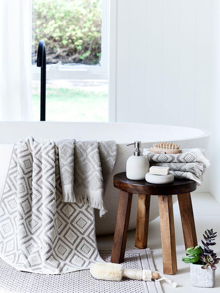 Winter bathroom inspiration #bedbathntable