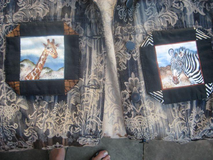 At samle på giraf- og zebrating, bl.a. udformet af nordjyske kunsthåndværkere, og finde den girafpatchworklap frem, som jeg købte i Bingen i Blokhus sidste sommer, og bruge den som lap på læsionen efter Københavns Zoologisk Haves aflivning af Marius.  © CZAR Production