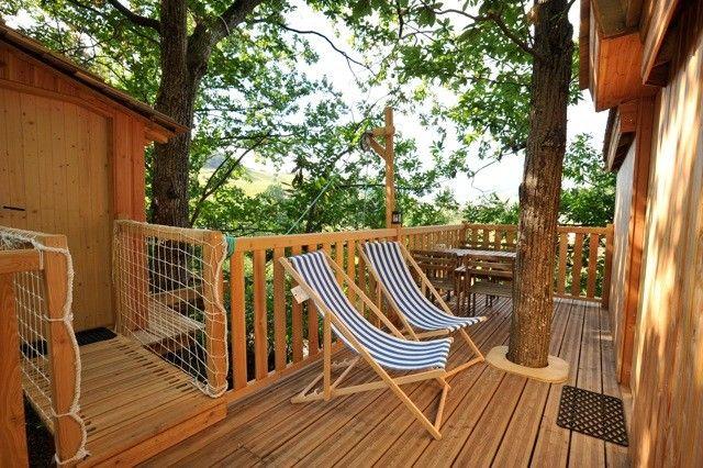 """Les cabanes dans les arbres, hébergement insolite - La cabane """"Du Haut"""" - Le Domaine d'Archambaud"""