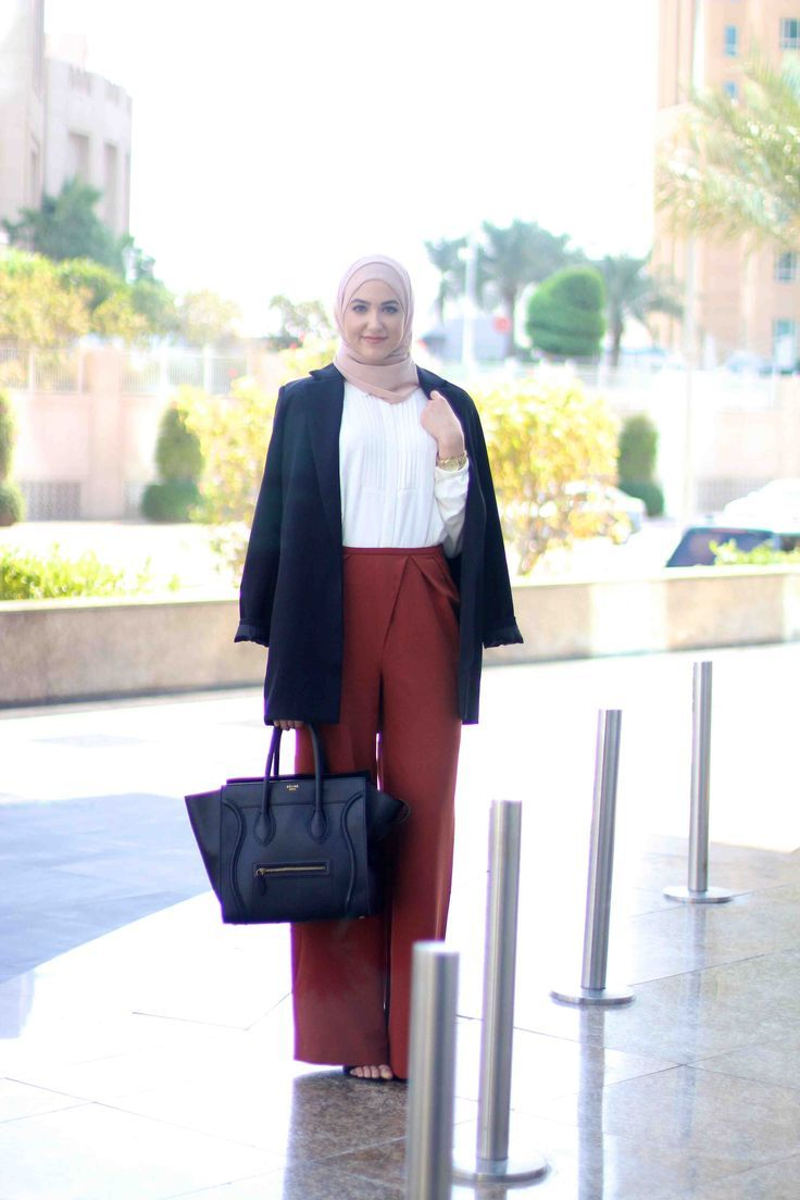 how to wear palazzo pants with hijab, Winter hijab street styles by leena Asaad http://www.justtrendygirls.com/winter-hijab-street-styles-by-leena-asaad/