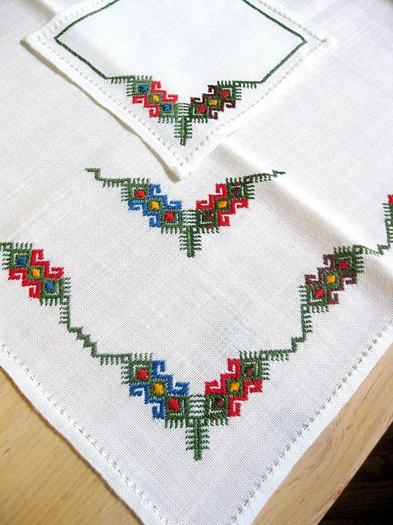 Hand Embroidered Tablecloth & Napkins Linen Crewel Embroidery Scandinavian Style 1980s Pulled Thread Stitches
