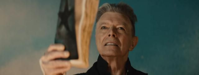 "David Bowie tease la sortie de ""Blackstar"", son nouvel single."