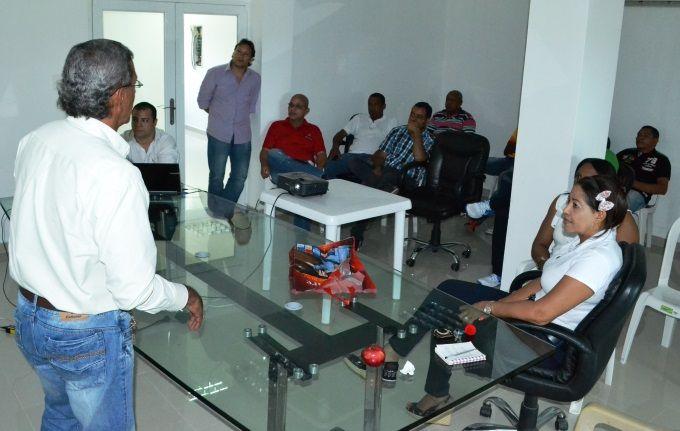 La noche del arco iris: En Dibulla (La Guajira) socializan proyecto para l...