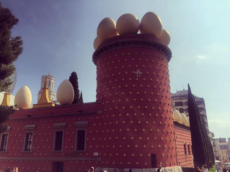 El homenaje a un #genio de irónico #bigote  #Dali #Barcelona #figueres #catalunya #barcelo #dalí #art #wow