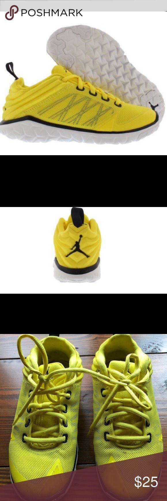 Jordan Flex Trainer Basketball Boy's Shoes Jordan Boys Athletic Sneakers  Vibrant Yellow/ Black/ White   Fits a women's size 5.5/ 6   Boys size 4.5  Shoe width medium Jordan Shoes Sneakers