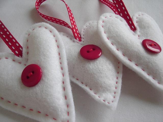 White Felt Heart Decorations / Christmas tree!