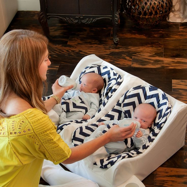 SO wish this was available when my twins were born! Gallery   Twin Baby Feeding System   Table for Two