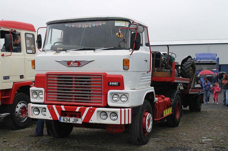 1981 Hino HE (634JIP).