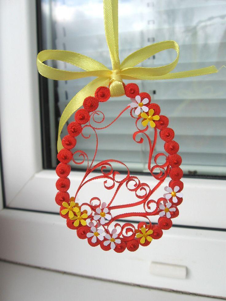 jarní dekorace na větvičku vyrobená technikou quilling
