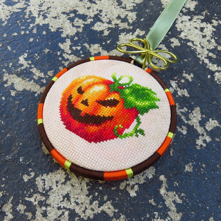 Halloween cross stitch pattern.