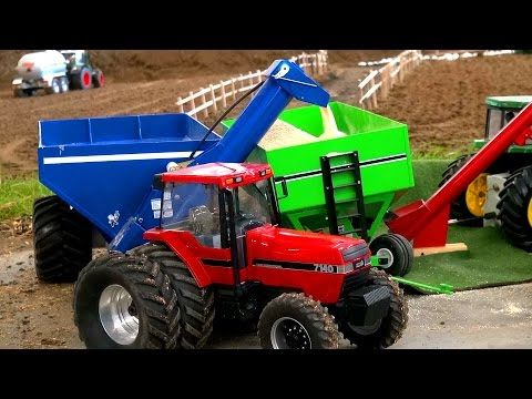RC TRACTOR ACTION! FARM WORLD BOCHOLT! CASE 7140! KRAMPE! JOHN DEERE! - YouTube