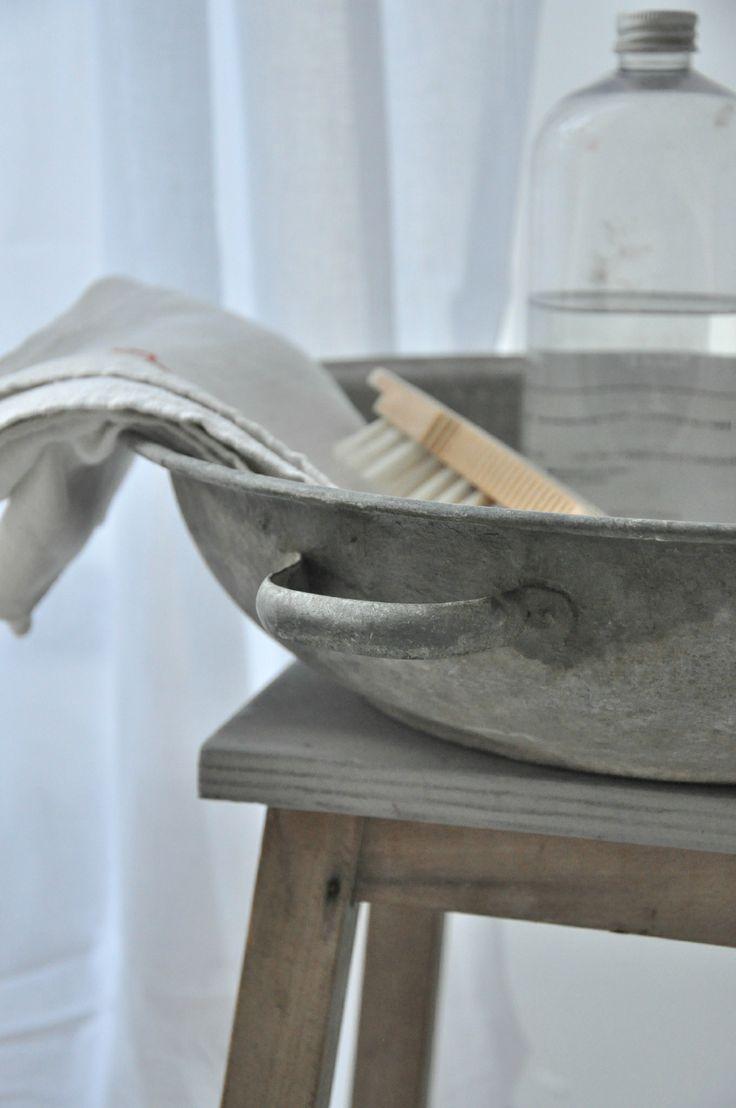 les 44 meilleures images propos de bric broc sur pinterest marches de bois tissus ancien. Black Bedroom Furniture Sets. Home Design Ideas