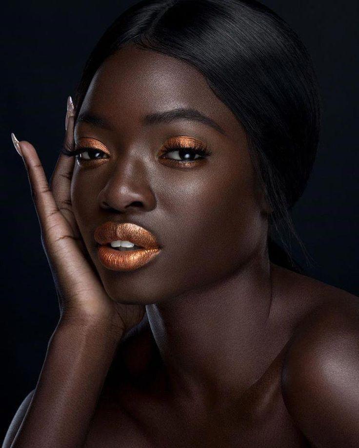 Dark skinned pakistani women — photo 8