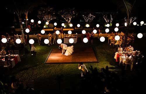 Decoração de Casamento ao Ar Livre à Noite com Luzes!