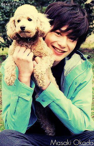 Masaki Okada <3  Jego uśmiech mnie powala :3