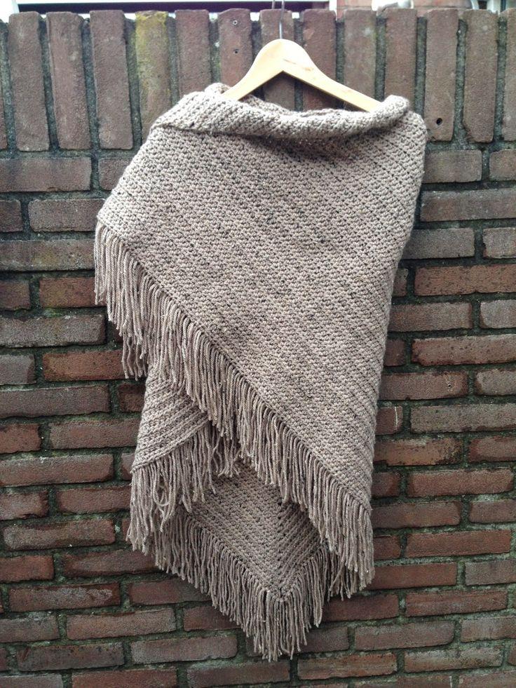 Patroon: Echtstudio GRATIS Garen: 7 bollen Tweed van de Zeeman.  Haaknaald: 7