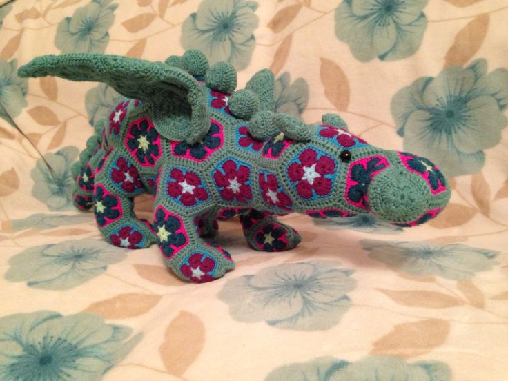 Free Knitted Crochet African Flower Pattern Dragon : 17 Best images about Crochet Toys/Blankets [African Flower ...
