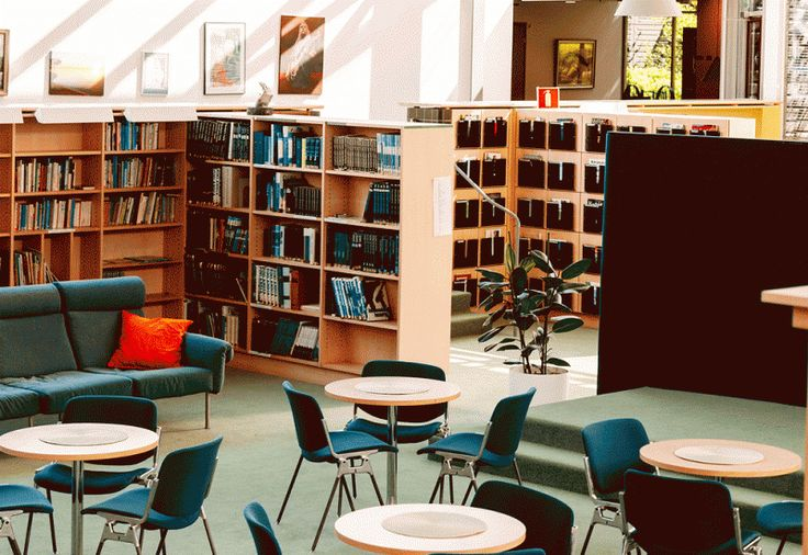 Murikan kirjasto on hyvä paikka opiskella ja tehdä ryhmätöitä.