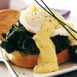 Florentijnse eieren. Op deze website vind je, behalve dit recept, een groot aantal recepten met heerlijke gevulde eieren!