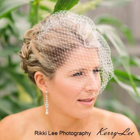 Kerry-Lee you look stunning. Thank you for sharing you wedding with us.
