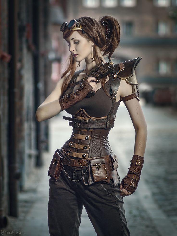 Model: Santa Evita www.facebook.com/… Styling: model's own