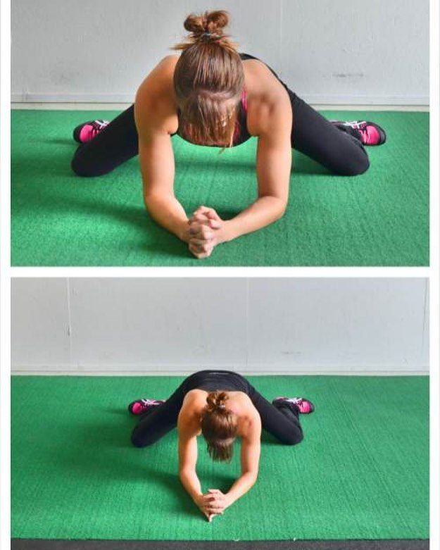 Tight hip flexors?? Try the frog stretch for 2-3 min each day! This is great to help with mobility for squats lunges and plenty of other movements. #mobility #flexibilefriday #injuryprevention #flexibility #stretching #yoga #frogstretch