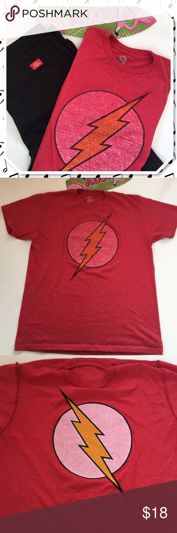 ⚡The Flash Comic Graphic Tee⚡ Bazinga! Who doesn't love Sheldon in the Big Bang Theory? Well, rock his comic book nerd style in this The Flash graphic tee. Iron on print in was done intentionally on the inside of the shirt so when worn it gives it a retro fade look. EUC only worn a few times. Hubs started to downsize his closet so keep your eyes open for more men's wears size Large and size 36/31 (ish) ❌womens Dickeys pants sold separately DC Shirts Tees - Short Sleeve